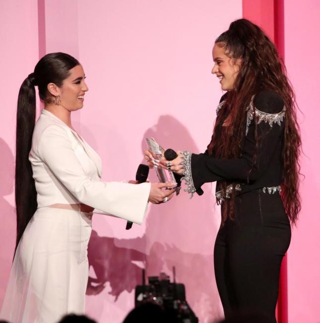 Rosalía y Lauren