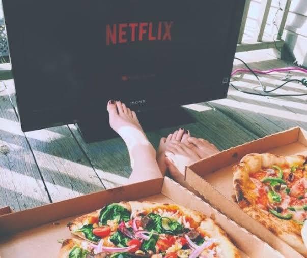 Millennials dejan los encuentros íntimos para disfrutar Netflix