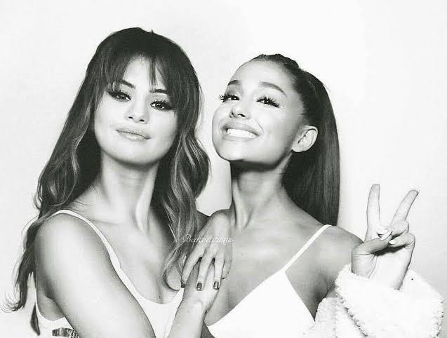 Selena Gómez y Ariana Grande