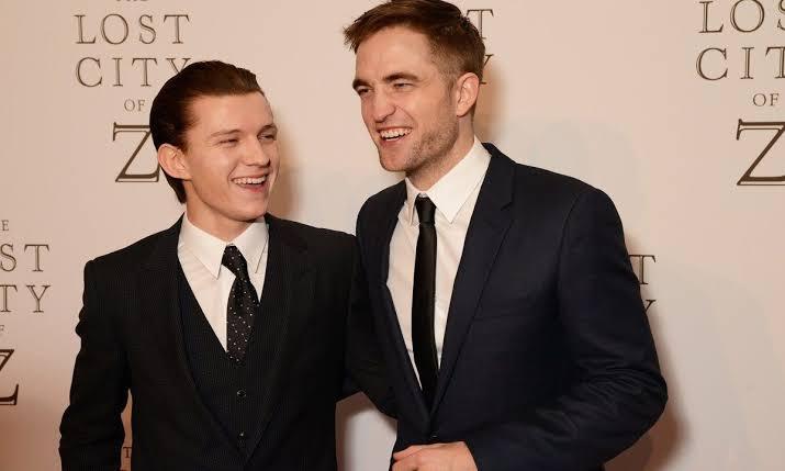 Tom Holland y Robert Pattinson