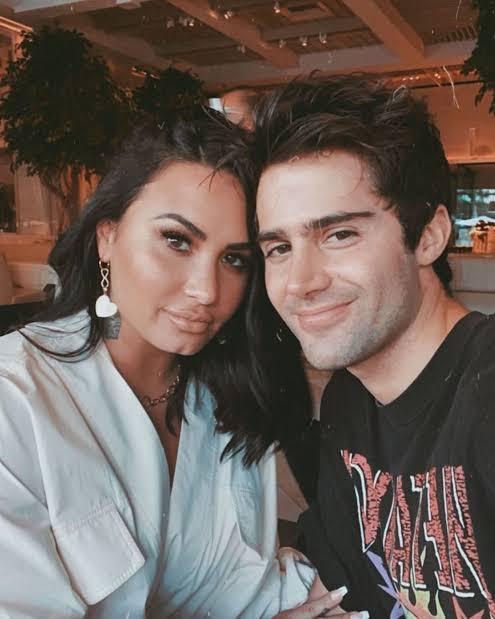 Demi Lovato y Max Ehrich